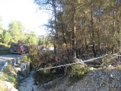 34 dotacions dels Bombers treballen en un incendi ja estabilitzat a Olèrdola