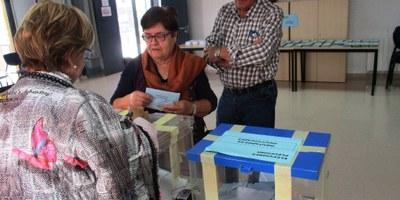 A les 14:00h havien votat a les eleccions municipals 1.093 electors, el 40'3% del cens d'Olèrdola
