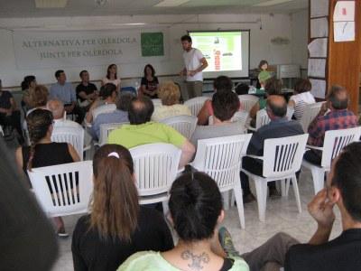 ApO proposa als veïns de Can Trabal que la gestió de la urbanització passi al sistema de Cooperació