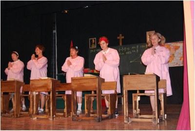 """Aquest diumenge el grup l'Escorça representa a Moja """"Quan a l'escola ens donaven llet en pols"""""""