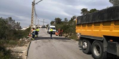 Aquesta setmana continuen a Moja les obres d'instal·lació al municipi de reductors de velocitat i de passos elevats de vianants