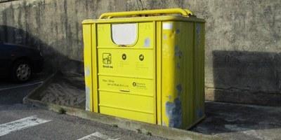 Augmenta la freqüència de la recollida dels contenidors d'envasos a tot el municipi, passant de setmanal a dos cops per setmana