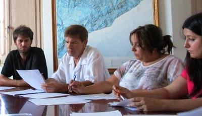 D'esquerra a dreta: Lucas Ramírez(alcalde) i Josep Sánchez, Mari Carme Villanueva i Vanesa López(grup de CiU) en el ple del 13 de juliol