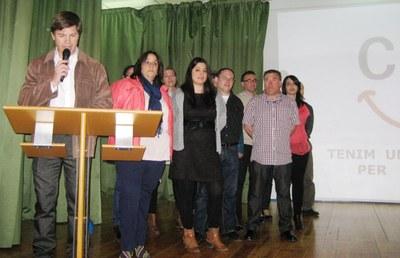 Josep Sánchez, acompanyat de la resta d'integrants de la llista, durant la presentació