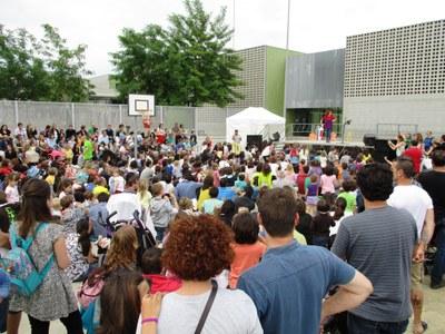 Dàmaris Gelabert reuneix a més d'un miler de persones dissabte a la tarda en el Molanta Xics