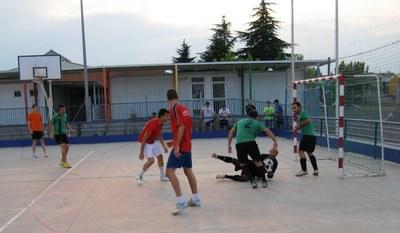 """El primer partit del torneig el disputaven """"Parma Tic"""" i """"Shalcke te meto"""""""