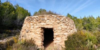 Disponibles 3 noves rutes de senderisme a Olèrdola dedicades a conèixer barraques de pedra seca