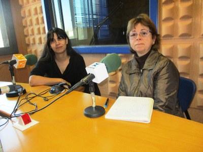 Nora Claramunt i Àngels Clua, voluntàries del Mercat Solidari