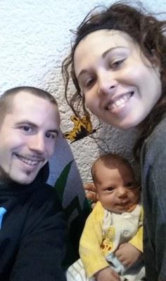 Django, entre el seu pare Joel i la seva mare Ophelie