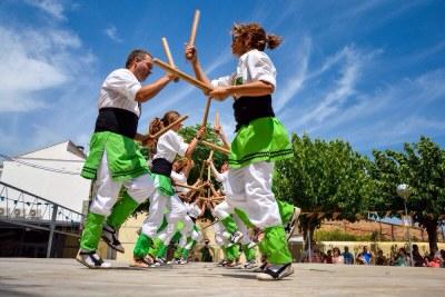 """El ball de bastons """"El toc d'Olèrdola"""" actua dilluns a l'aeroport del Prat"""