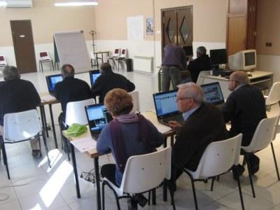 L'Ajuntament d'Olèrdola organitza un curs d'informàtica al Casal d'Avis de Moja