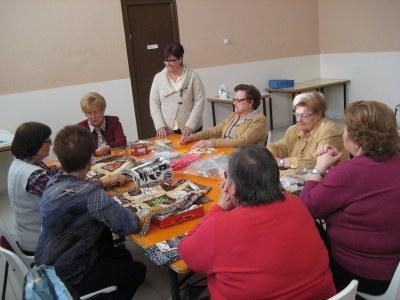 El Casal d'Avis de Moja acull un taller de patchwork organitzat per l'Ajuntament d'Olèrdola