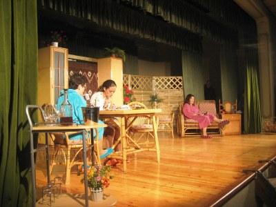 """El grup """"El Folre"""" actua aquest diumenge a Torrelavit amb """"Les meves veïnes"""""""