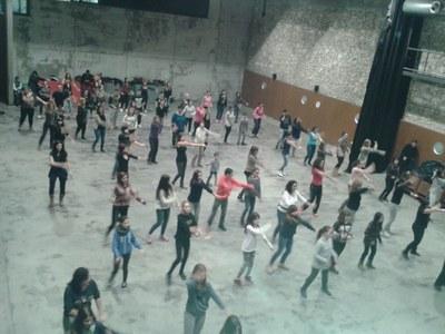 El grup ha assajat coreografies al Local Nou