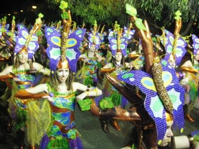 El grup de Carnaval de Moja durant una rua l'any passat