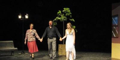 """El grup de teatre Llavor d'Art representa diumenge a Moja """"L'hivern plora gebre damunt el gerani"""""""