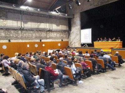 El Local Nou de Moja s'omple en la presentació del llibre dedicat a Josep Raventós Valldosera