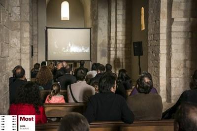 El Most Festival ha convertit en sala de cinema per un dia l'església del Conjunt monumental