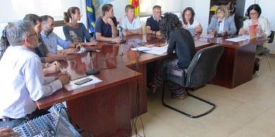 El ple agraeix la dedicació al municipi dels regidors que deixen l'Ajuntament