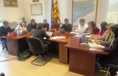 El ple de l'Ajuntament reclama pensions dignes i aprova una moció en defensa de l'escola catalana