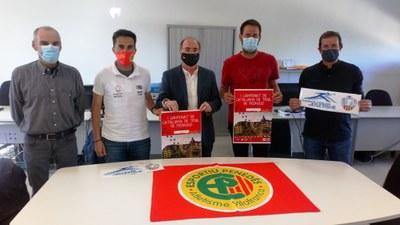 D'esquerra a dreta: J.M Ententas, vicepresident FCA; Toni Satsiteban, Esportiu Penedès; Joan Villuendas, president FCA; Lucas Ramírez, alcalde d'Olèrdola; i Pere Sadurní, regidor d'Esports