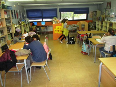 El servei de Biblioteca Oberta organitza un taller de manualitats amb elements de la tardor