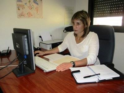 Carlota Julià, tècnica d'empresa i ocupació que atén el Servei Local d'Ocupació a Olèrdola