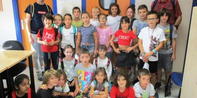 Els alumnes de 3r de l'escola Circell de Moja han visitat Canal 20-Ràdio Olèrdola i el Celler Cooperatiu de Moja