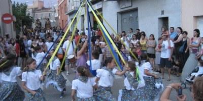 Els Gegants Vells de Ribes i el nou Ball de Cintes,  centres d'interès de la cercavila de la Festa Major de Moja