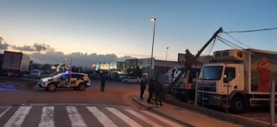 Els Guàrdies Municipals d'Olèrdola i els Bombers intervenen en la resolució d'una incidència al polígon de Sant Pere Molanta