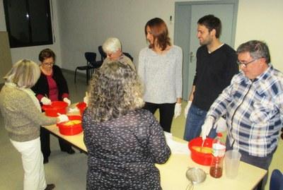 """Els tallers per reutilitzar materials usats dinamitzen la campanya """"Olèrdola recicla!"""""""
