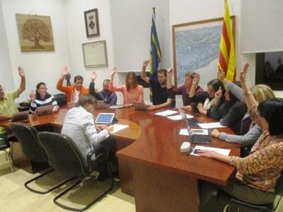 En un ple extraordinari, l'Ajuntament rebutjava el 23 d'octubre l'aplicació del 151 i reclamava la llibertat dels Jordis