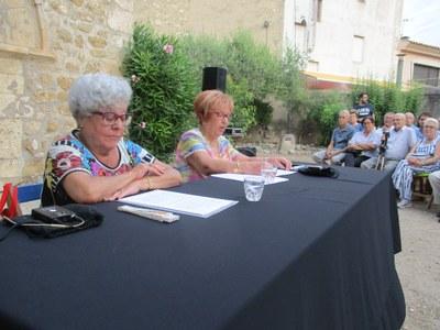 Rosa Montserrat i Teresa Miralles, en un moment del pregó