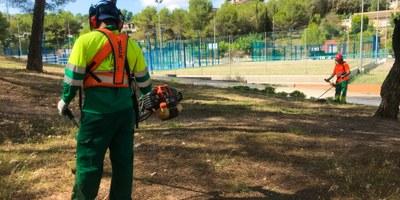 Entra en vigor el nou contracte que reforça el manteniment de les zones verdes del municipi