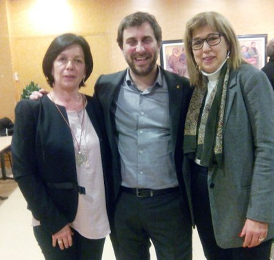 Les regidores d'ERC amb el conseller Antoni Comín