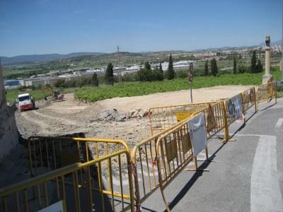 Es comença a construir la rotonda d'accés a Moja