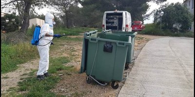 Es completa la desinfecció dels contenidors de tot el municipi