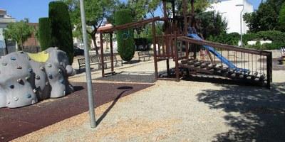Es milloraran les 11 zones de jocs infantils ubicades en places públiques d'Olèrdola