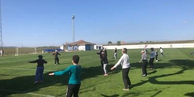 Es reprenen a l'aire lliure les sessions de gimnàstica per a gent gran a Sant Pere Molanta