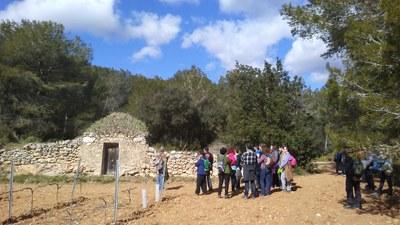 Èxit de la visita guiada gratuïta feta dissabte per les barraques de pedra seca d'Olèrdola