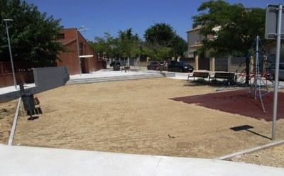 Finalitzen les obres d'urbanització de la nova plaça de Sant Pere Molanta