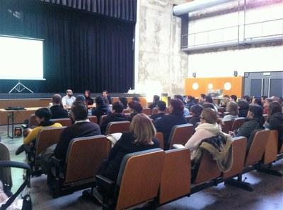 Imatge d'una reunió amb entitats convocada per l'Ajuntament