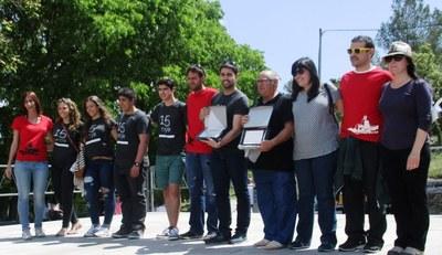 Francesc Solé i el Grup de Joves de Sant Pere Molanta reben el premi Rossend Montané