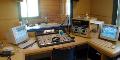 Informació de proximitat, entreteniment i música en la programació de Canal 20-Ràdio Olèrdola