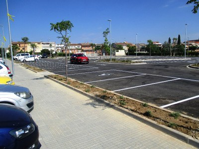 Ja es pot utilitzar el nou aparcament urbanitzat de davant de l'escola Circell de Moja