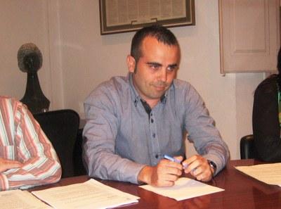 Juanma Samblás en el moment de prometre el càrrec