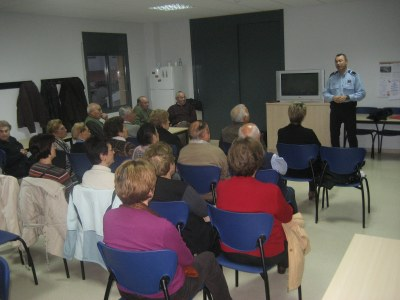 L'Ajuntament d'Olèrdola convoca als casals d'avis xerrades sobre seguretat i via pública