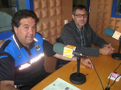 Alfons Inglés, agent  municipal, i Xavier Serramià, regidor d'ensenyament