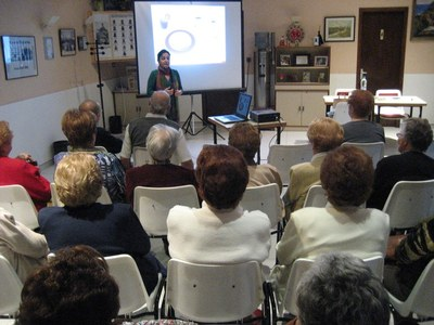 L'Ajuntament organitza xerrades per a difondre hàbits saludables d'alimentació entre la gent gran