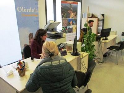 L'Ajuntament recomana realitzar els tràmits per via telemàtica o telefònica